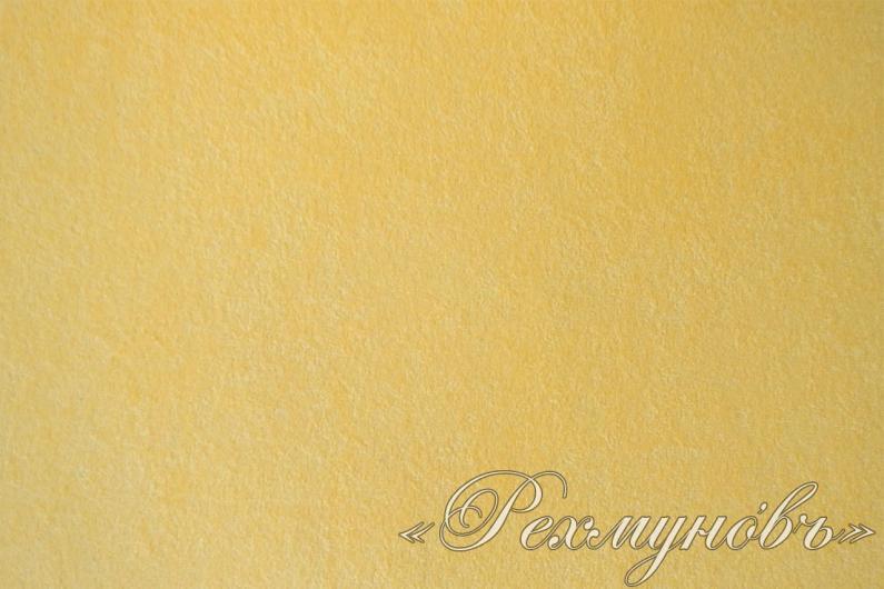 Персиковая махровая наволочка на подушке
